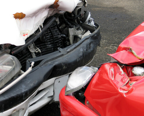 How are fractured ribs treated after a car accident in Fort Walton Beach, Florida?